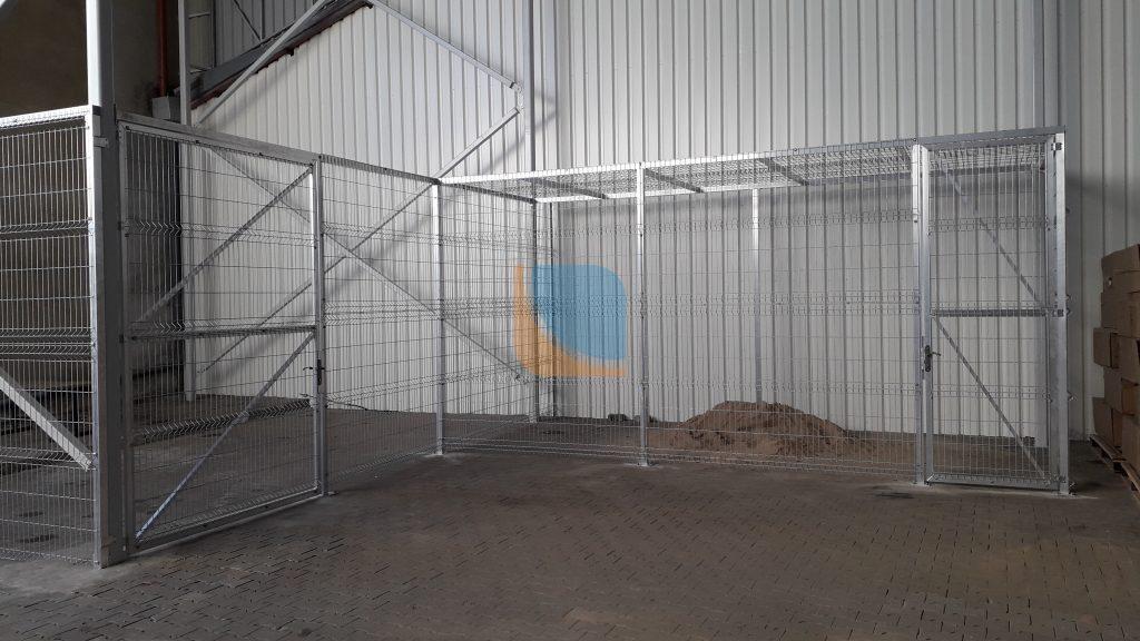 konstrukcja aluminiowa w pomieszczeniu