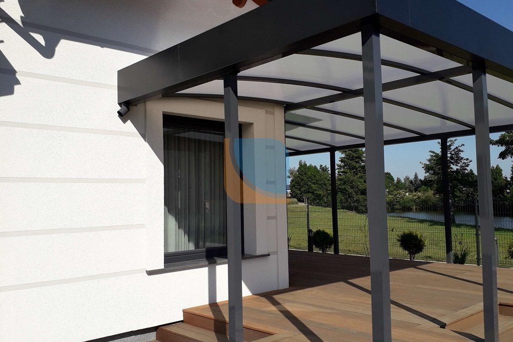 Zadaszenie dachowe zamontowane