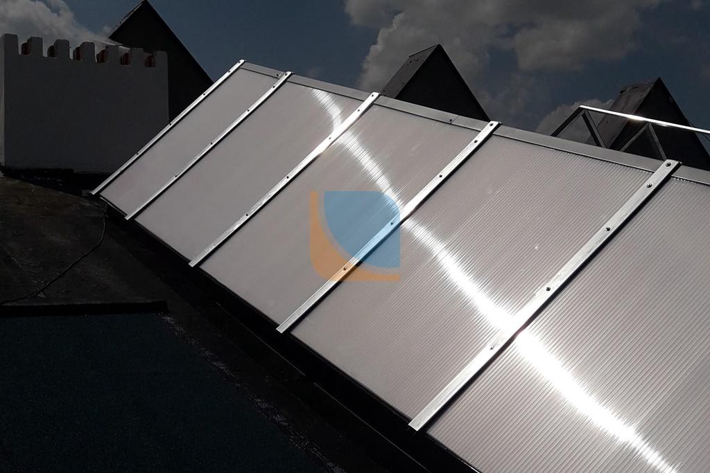 Świetlik dachowy trójkątny