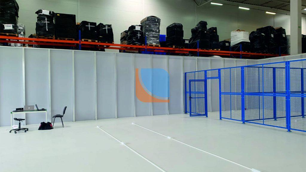 Ścianka działowa na hali produkcyjnej z poliwęglanu komorowego
